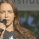 Schülerin spricht über Corona Folter an Schulen